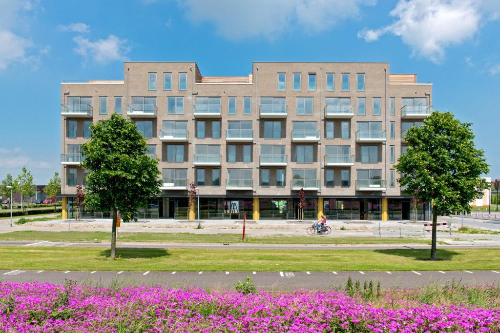VvE Mainland in Almere Buiten - 45 appartementen en diverse winkels. Fidata VvE beheer in Almere
