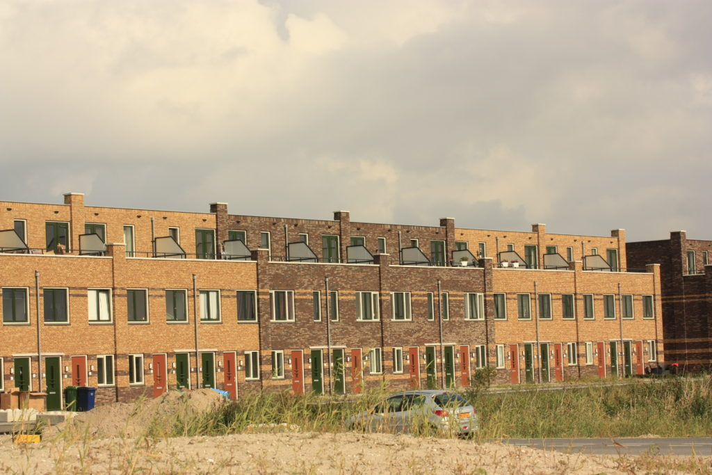 Dromenrijk I t/m VI in Almere - Poort bestaande uit 108 appartementen